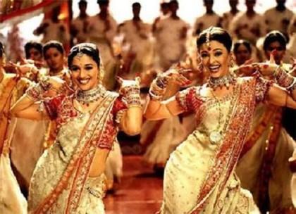 为什么印度电影老是少不了舞蹈?是不是凑片长?