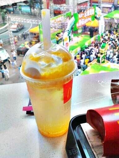 有谁知道这是麦当劳的什么饮料吗?图片