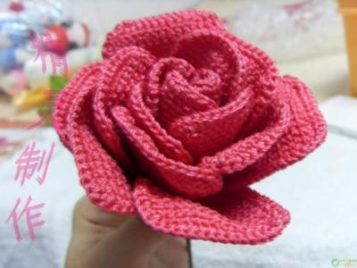 用钩针编织玫瑰花高清图片