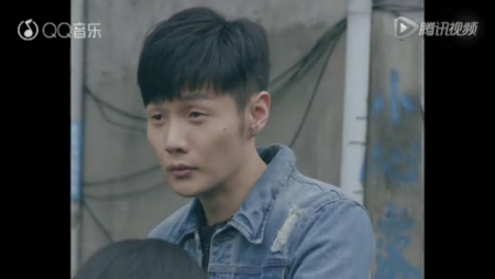 李荣浩这发型是定位烫吗图片