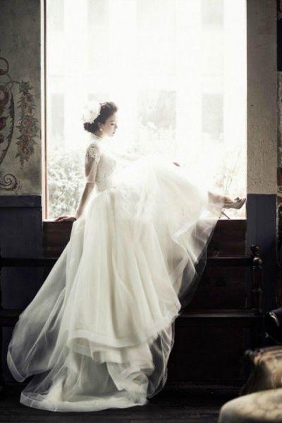 谁有穿婚纱的女孩图片