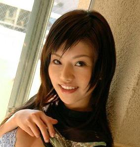 这个日本女人是谁?