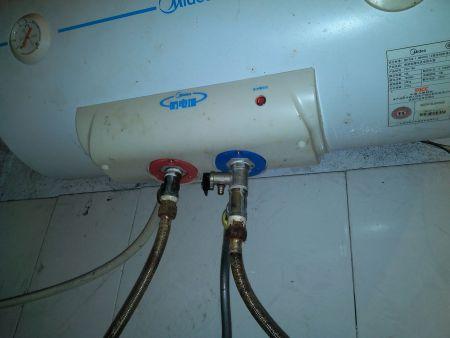 储水式电热水器排水,放水图片