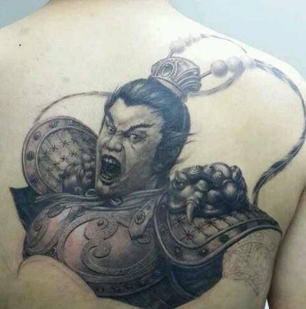 虽然这吕布纹身的主人肥肉满满 (430x435)-小臂关公纹身图案大全图片