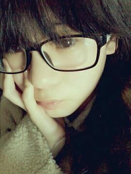14岁女生漂亮照片素颜平刘海
