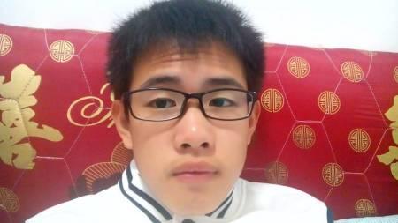 剪齐刘海较好,中间长点 追问 我已经非常长了,头发又翘起来,差不多到图片