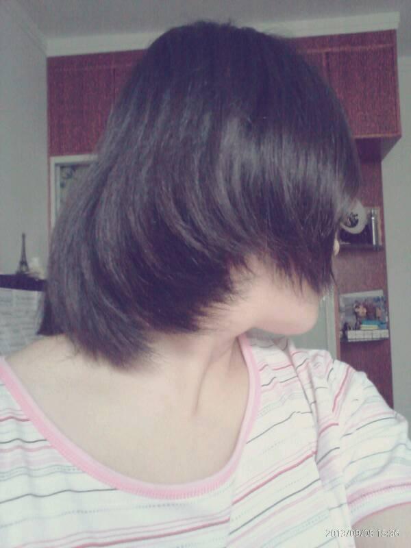现在我的头发没有型,正在留头发所以也不能剪,有什么好看的发型我可以图片