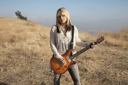 女生如何抱吉他最帅气?