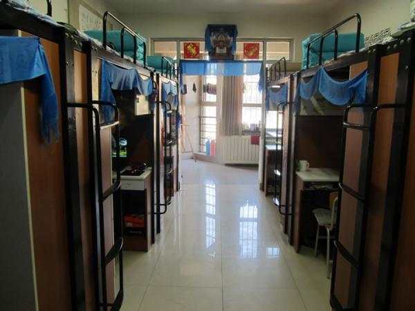 2016年潍坊科技学院会计男生宿舍图片