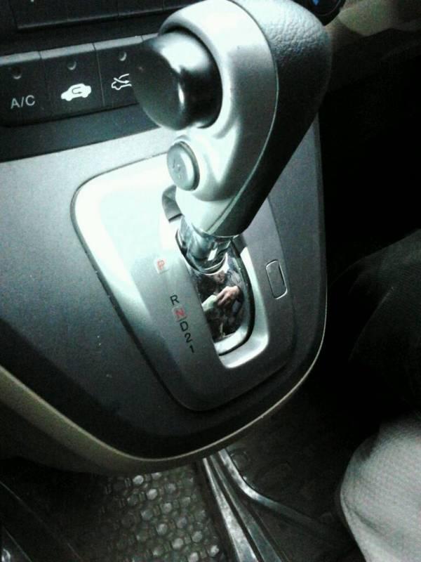 本田CRV自动挡下面那个按钮干嘛用的 写着D3高清图片