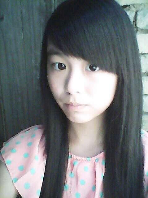 高中漂亮女生照片_求初中女生的照片,漂亮的_百度知道