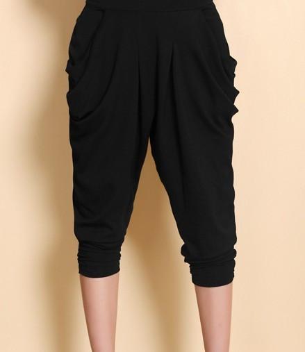夏天腿粗的女生适合穿什么样的裤子?