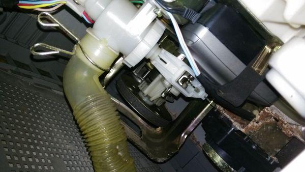 三洋全自动波轮洗衣机无法排水其他功能正常图片