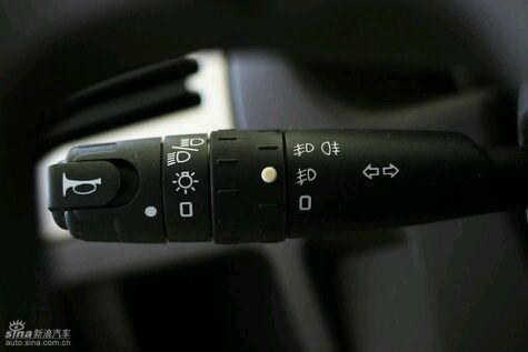 考,车型雪铁龙富康,咨询考夜间灯光时的操作高清图片