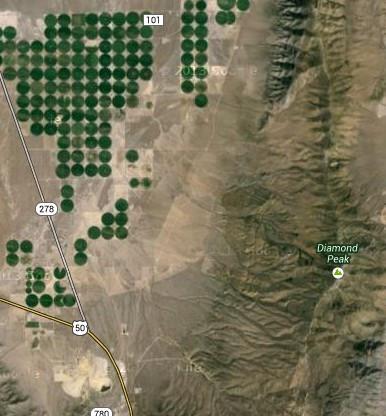 今天没事在谷歌地图上卫星模式下搜美国51区,结果在内华达州搜到
