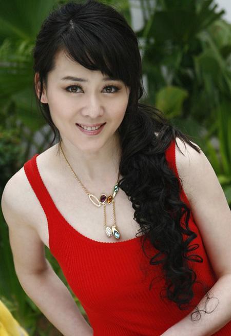 是中国内地影视女演员,毕业于北京电影学院表演系.图片
