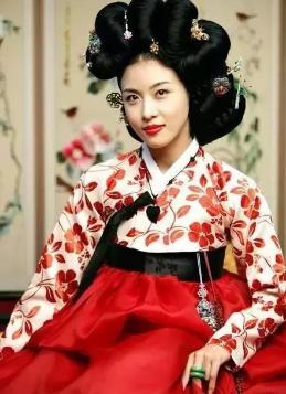 《大长今》里朝鲜颜色的发型叫做?那么a颜色的头发银时头发图片嫔妃图片