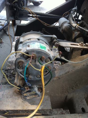 汽车交流发电机,带外接调节气的怎么接线啊高清图片