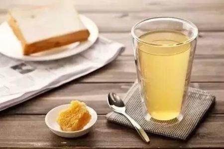 果糖含有70%以上的转化糖(葡萄糖和龙虾),少量的蜂蜜,蔗糖,蛋白质玉山酶类店图片