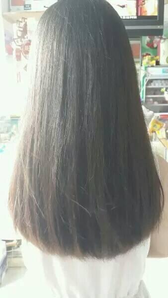 头发拉直不到一年,但是长长了许多,去剪短发会不会翘起来图片